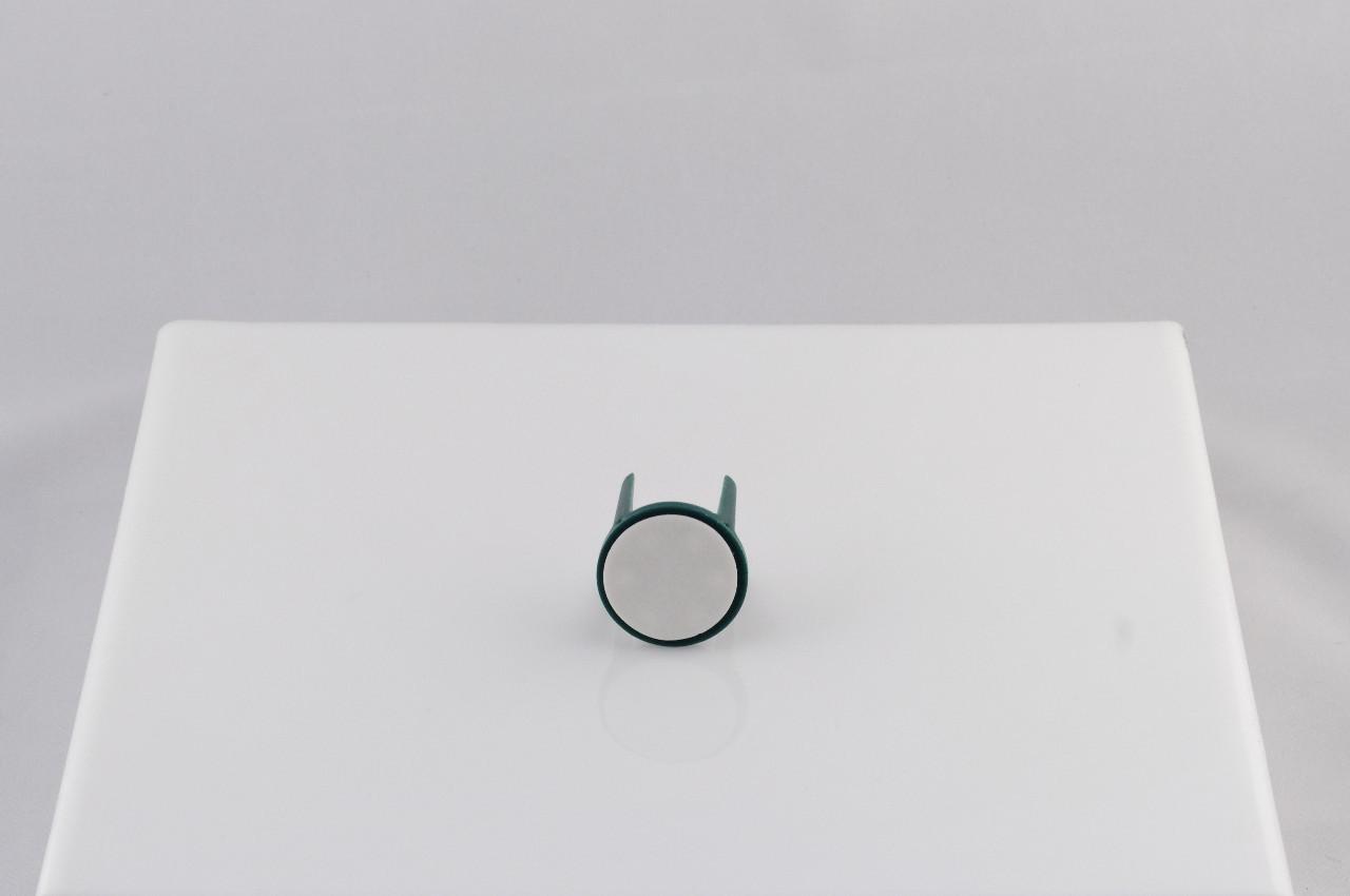 Suport fixator burete cu adeziv