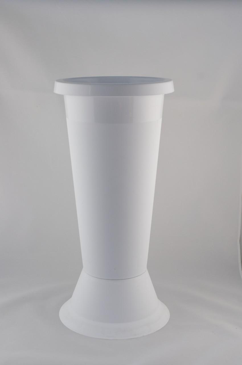 Vaza mare din plastic de culoare alba